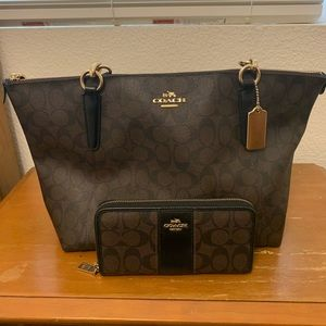 Brown Leather Coach Purse&Wallet Set